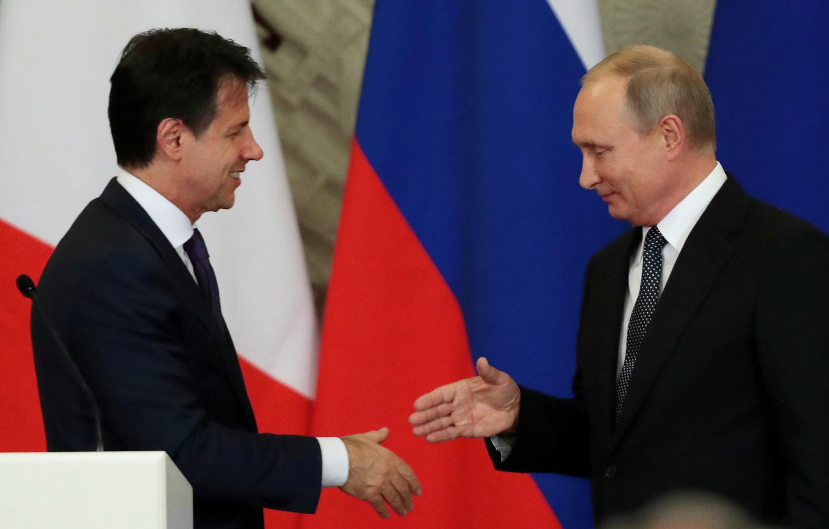 الرئيس الروسي فلاديمير بوتين ورئيس الوزراء الإيطالي جوزيبي كونتي (صورة أرشيفية)