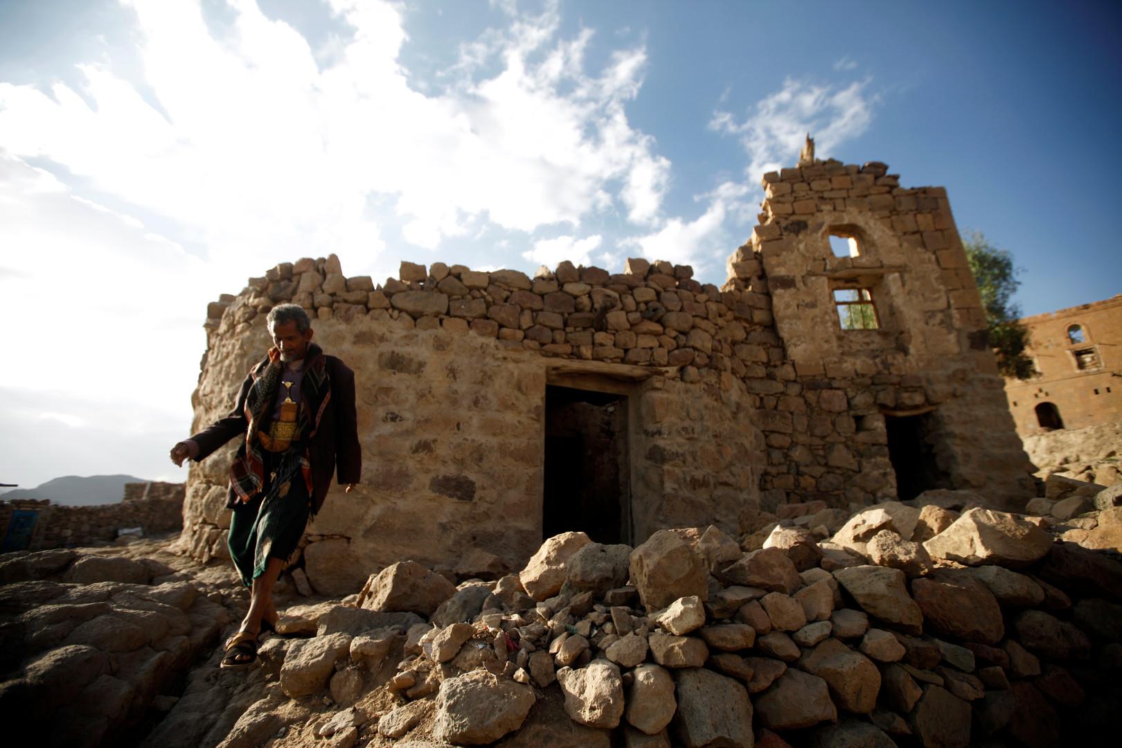 التحالف العربي يرفض اتهامه بضرب 4 مواقع مدنية في اليمن