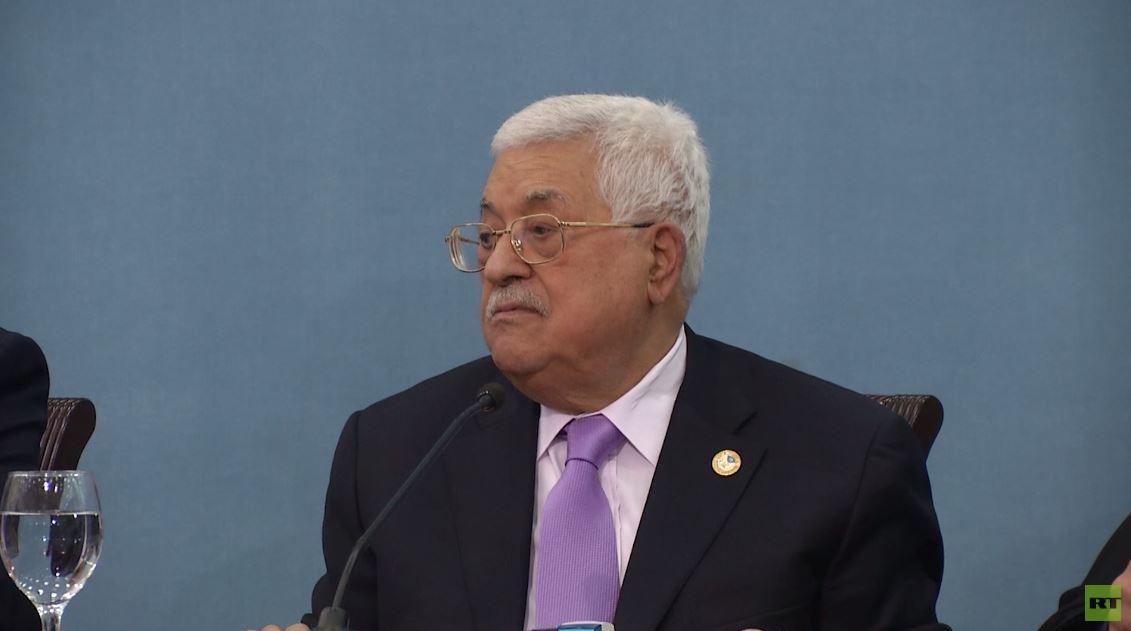 عباس يطالب ترامب بالاعتراف بحل الدولتين
