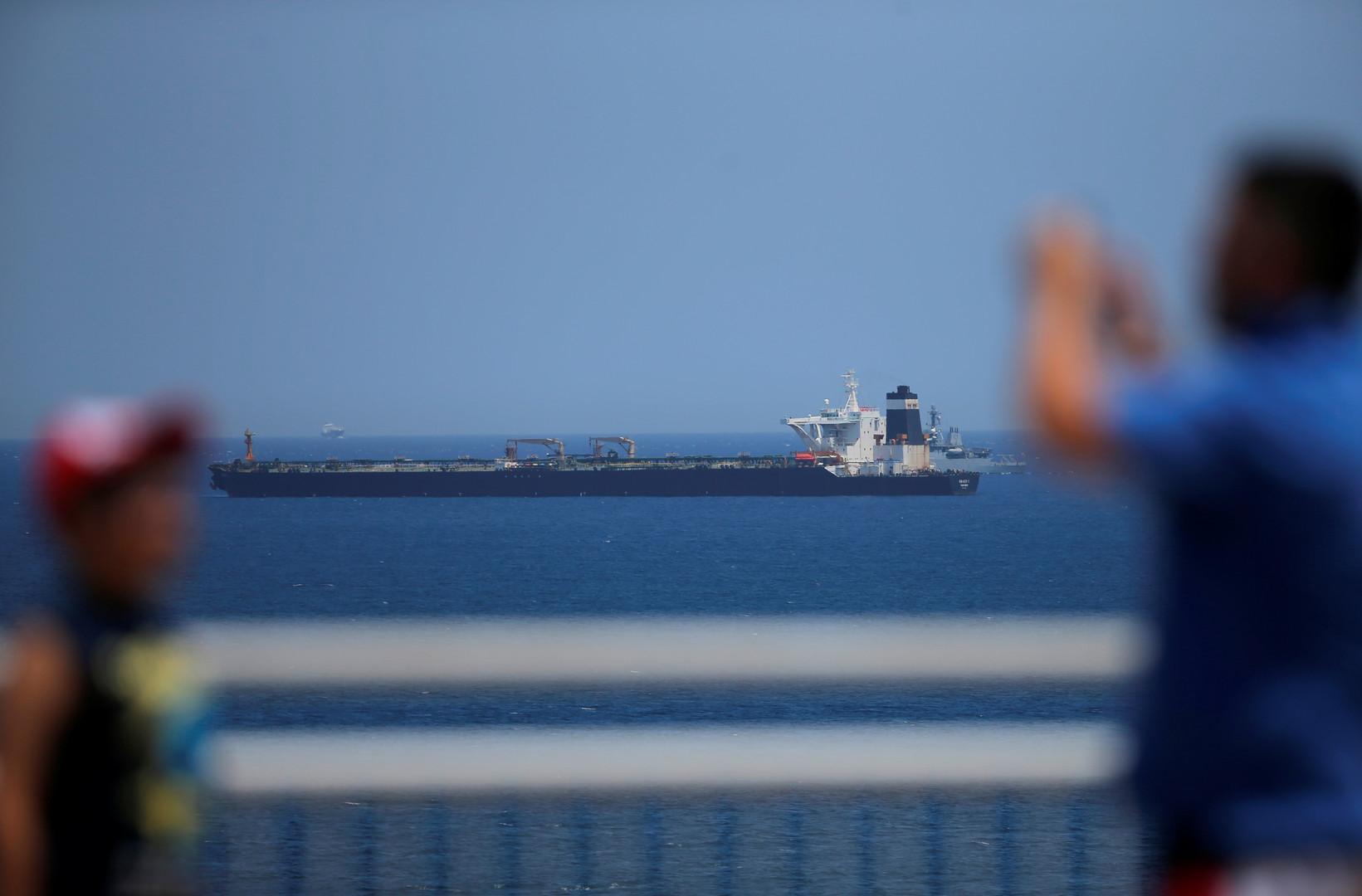سلطات جبل طارق تستجوب طاقم ناقلة النفط الإيراني