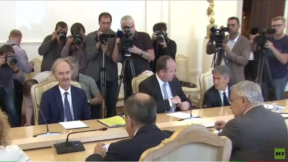 لافروف وبيدرسن يتوقعان بدء عمل اللجنة الدستورية السورية قريبا