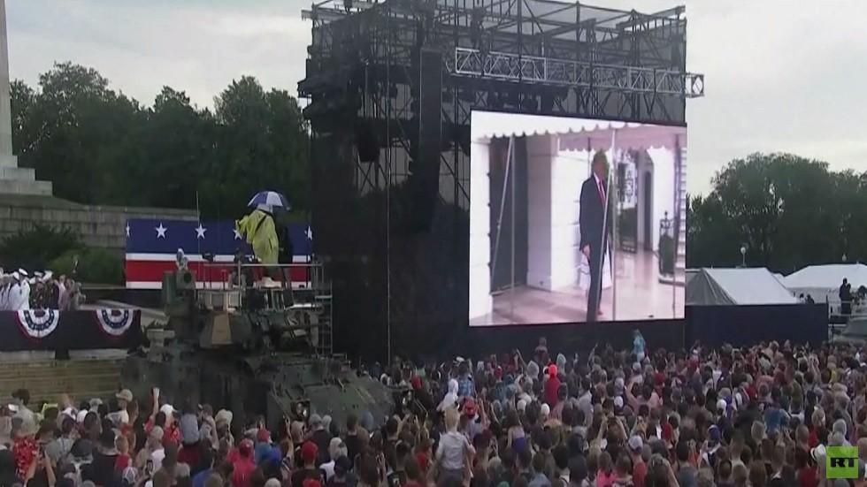 عرض عسكري بواشنطن في عيد الاستقلال