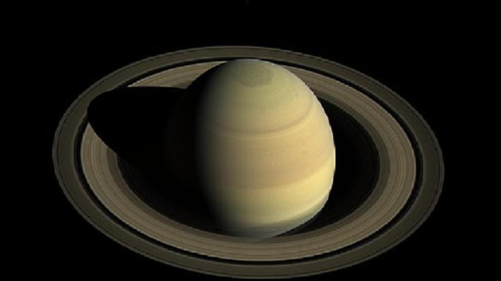 ثاني أكبر كواكب النظام الشمسي