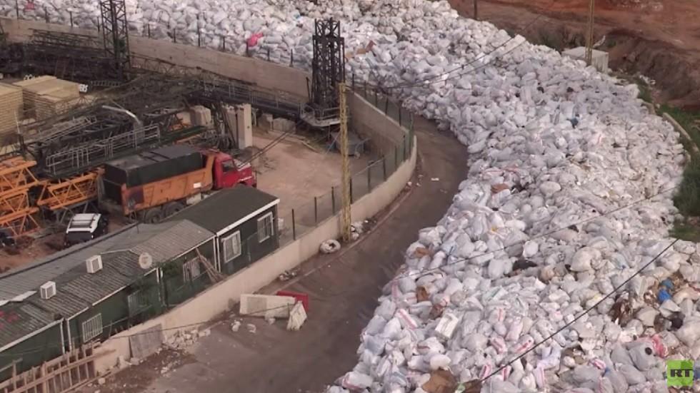 روائح النفايات تعم أجواء لبنان