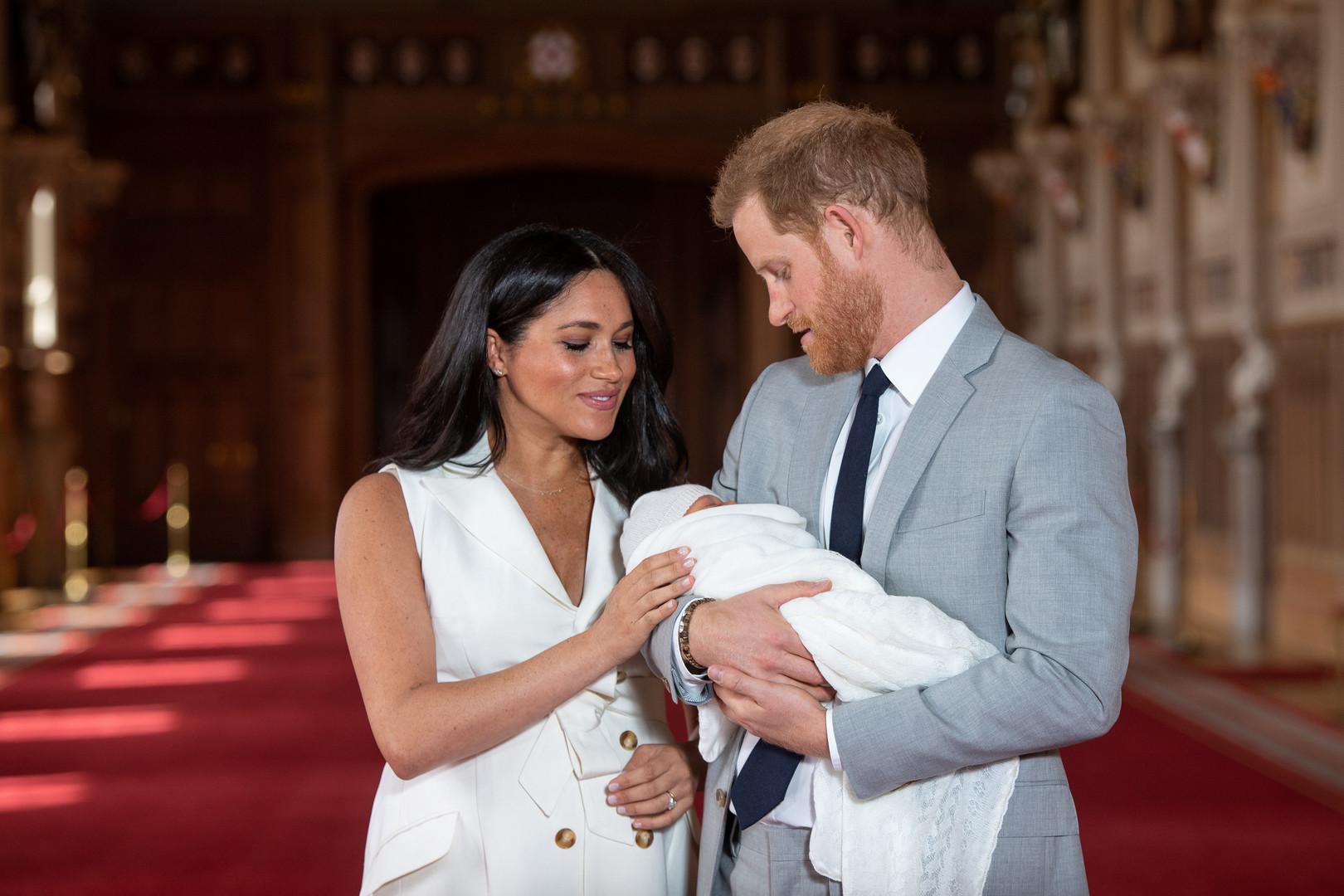 الأمير هاري وزوجته ميغان ونجلهما آرتشي، 8/05/2019
