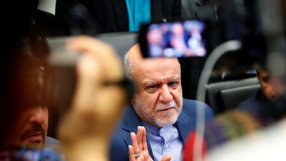 وزير النفط الإيراني متفائل بتحسن صادرات بلاده النفطية