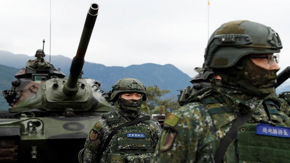 جنود في الجيش التايواني خلال تدريبات عسكرية