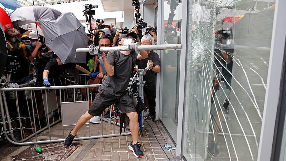 هونغ كونغ ترفض العفو عن متورطي الشغب خلال مظاهرات
