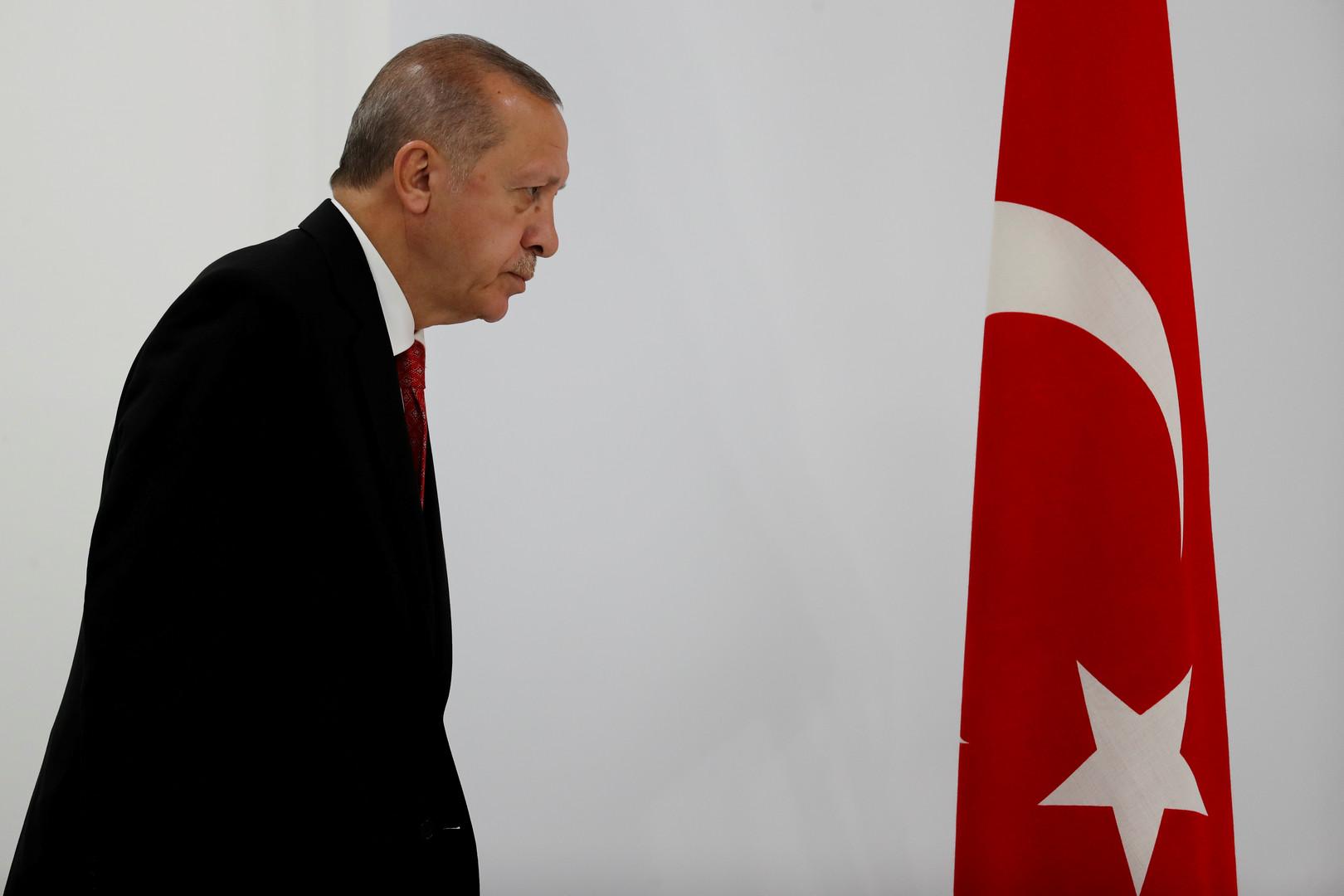 أردوغان ينتقد التخلّف الأوروبي عن دعم تركيا في قضية اللاجئين