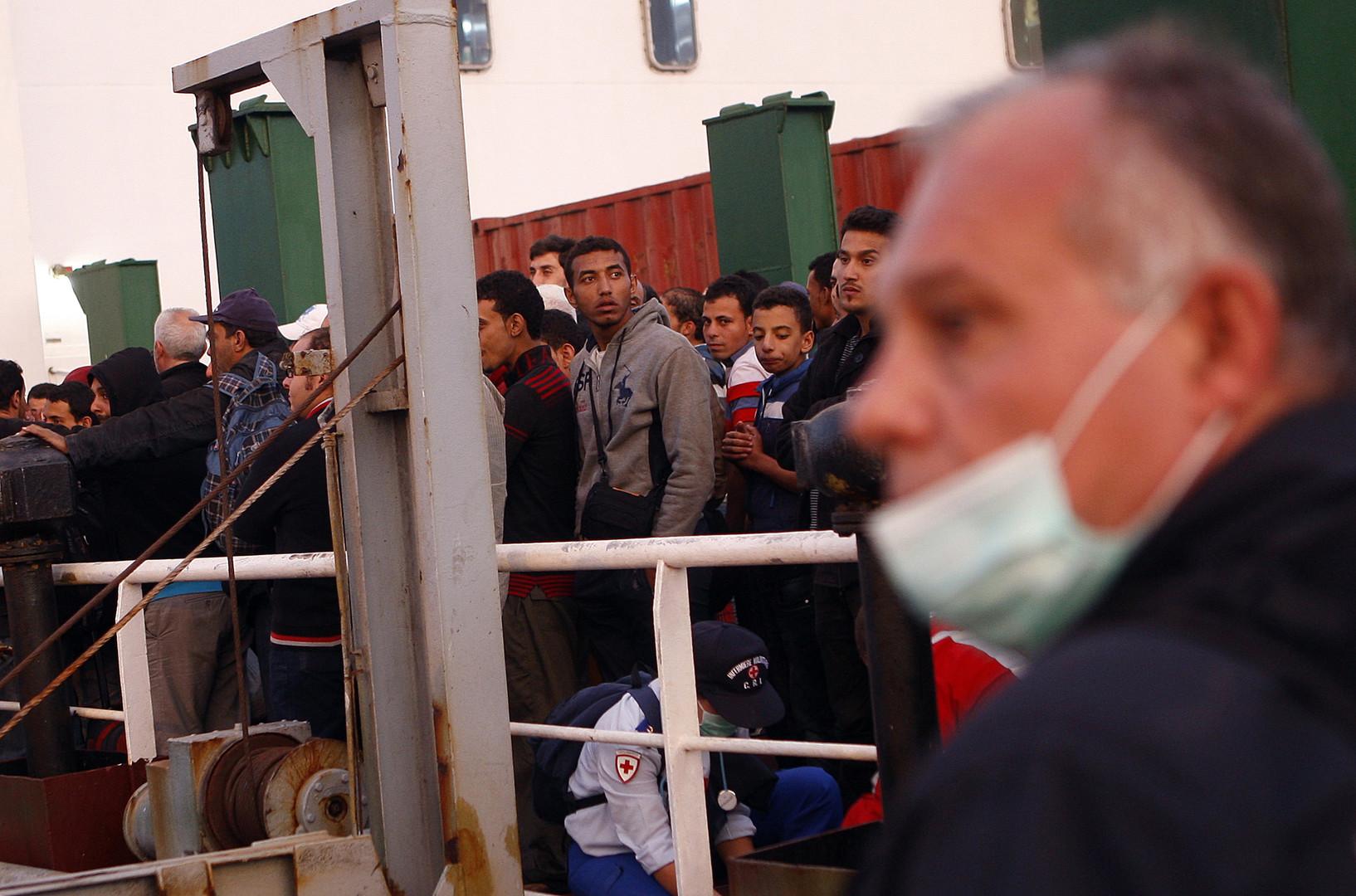 إيطاليا تغلق مركزا لاستقبال اللاجئين في صقلية