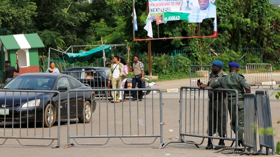 نيجيريا.. اشتباكات بين الشرطة ومحتجين على احتجاز رجل دين