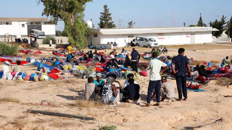 ليبيا.. السماح بخروج 100 مهاجر من مركز إيواء بعد تعرضه للقصف