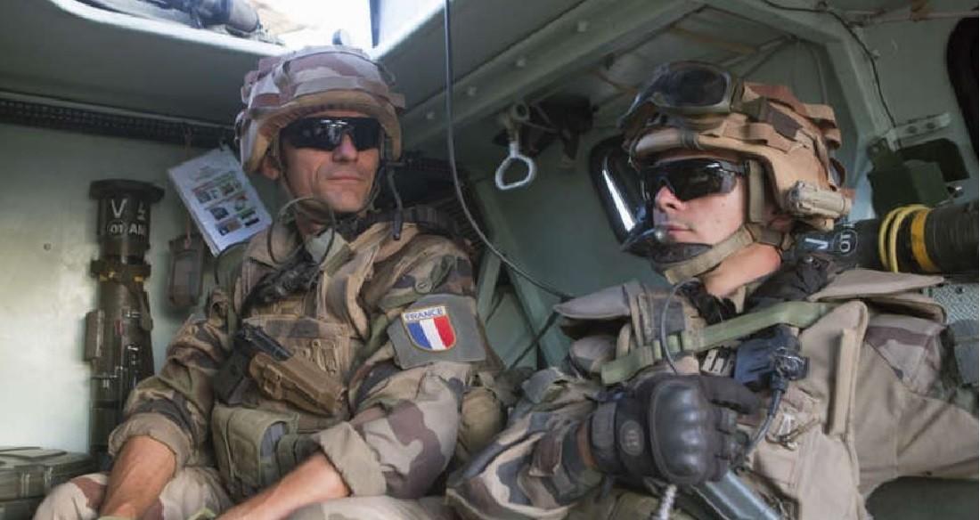 صحيفة: بريطانيا وفرنسا توافقان على إرسال قوات إضافية إلى سوريا