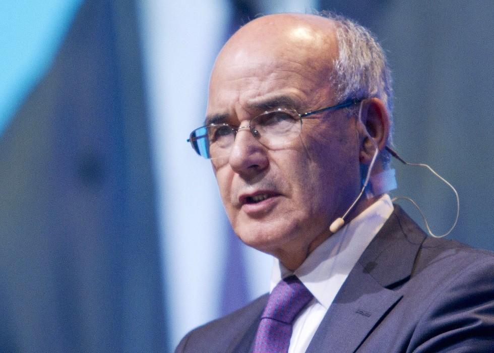 محكمة جزائرية تأمر بحبس وزير الصناعة السابق