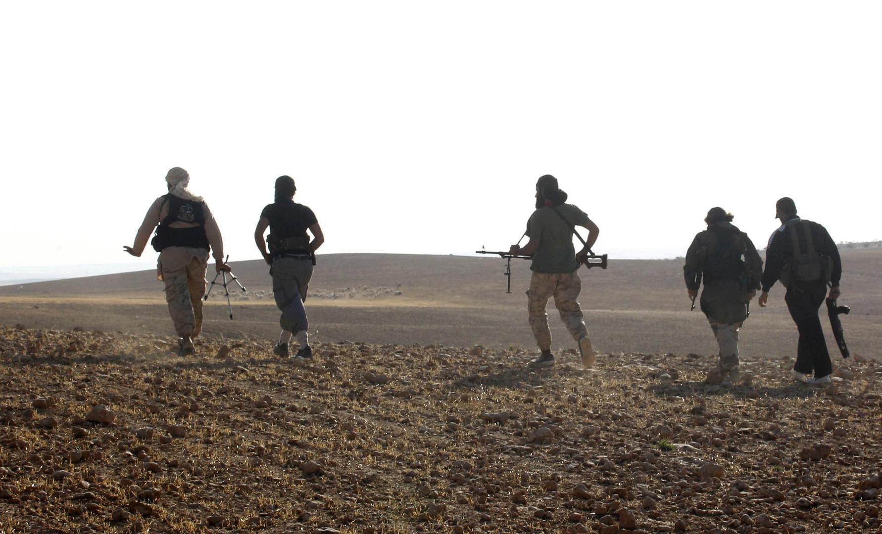 عشرات القتلى بمعارك بين الجيش السوري وجماعات مسلحة شمال غربي سوريا