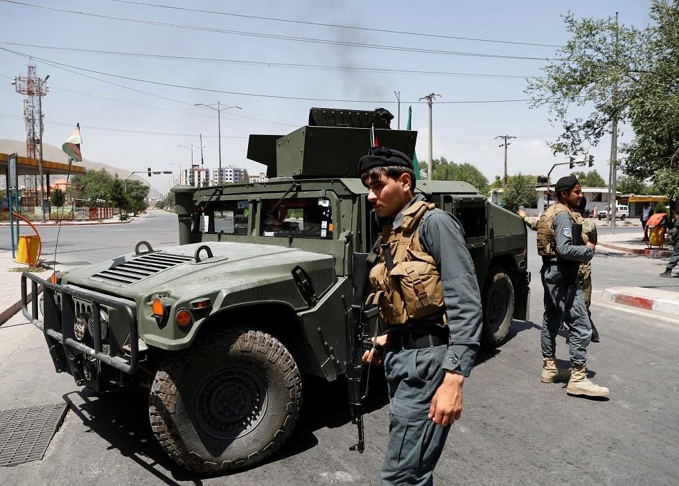 مقتل 6 وإصابة نحو 40 آخرين بتفجير انتحاري نفذه طفل شرق أفغانستان