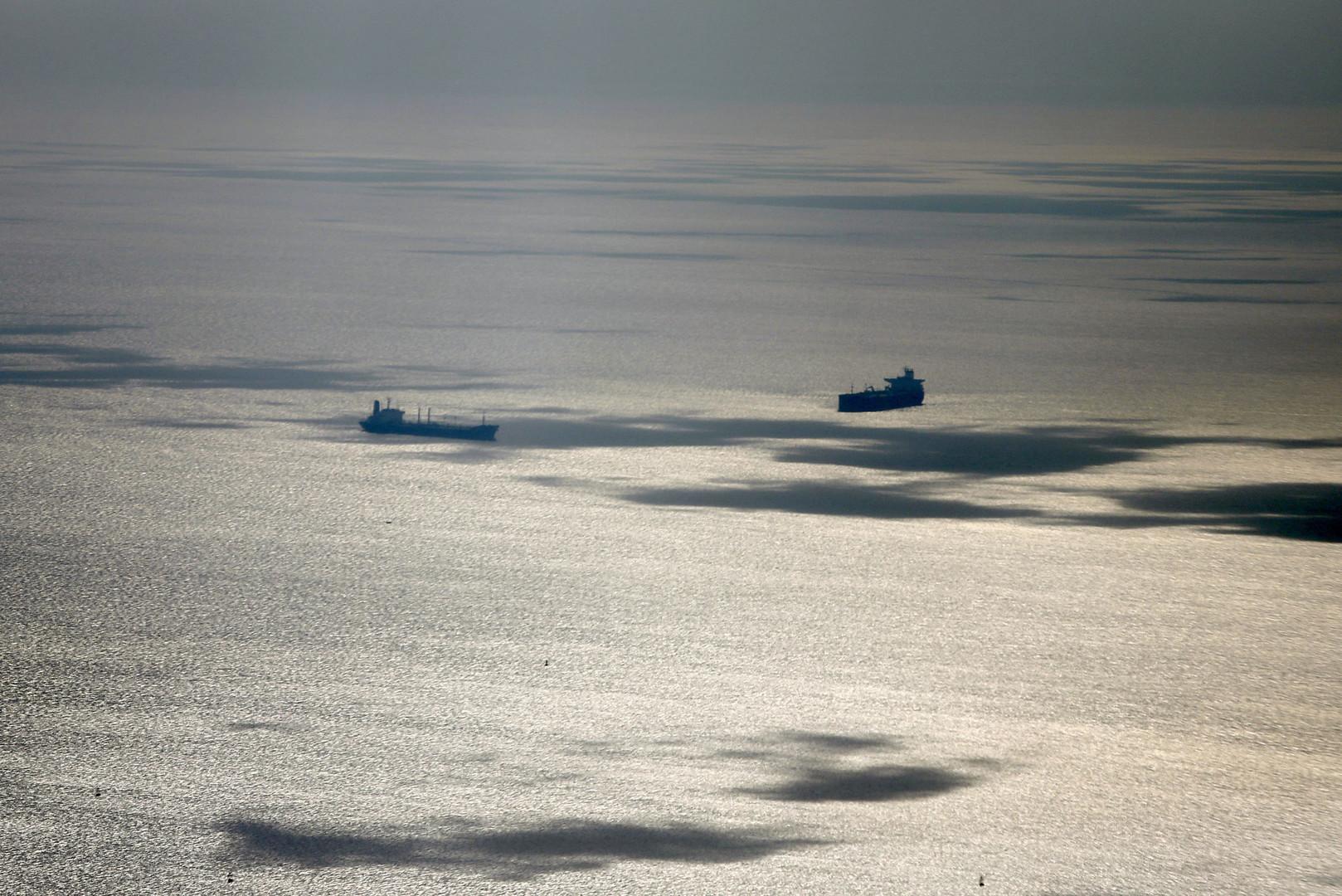 قلق دولي من إعلان الصين حالة تأهب قصوى لسفنها في مضيق استراتيجي