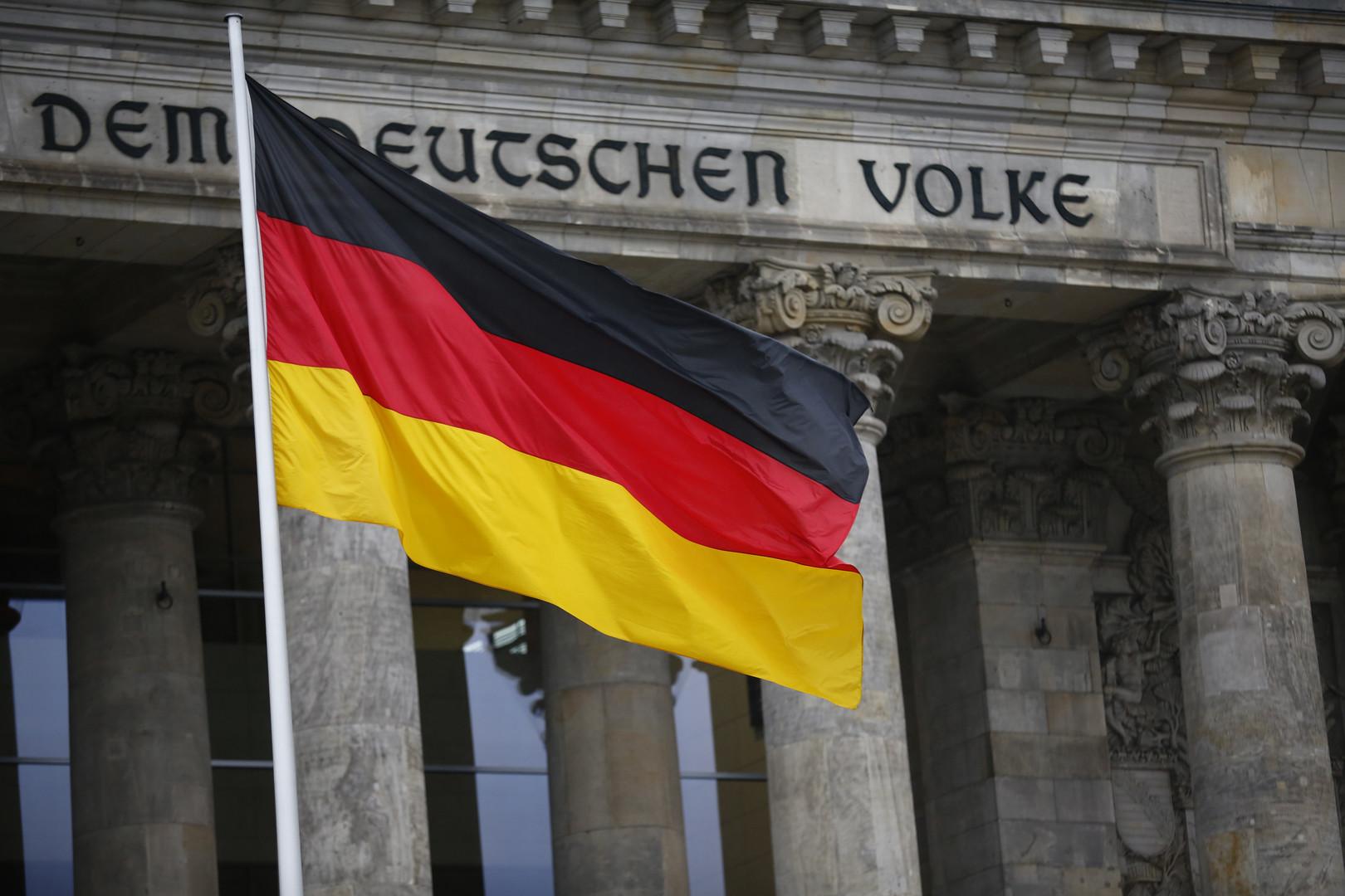 ألمانيا ترحب بأول محادثة هاتفية بين بوتين وزيلينسكي
