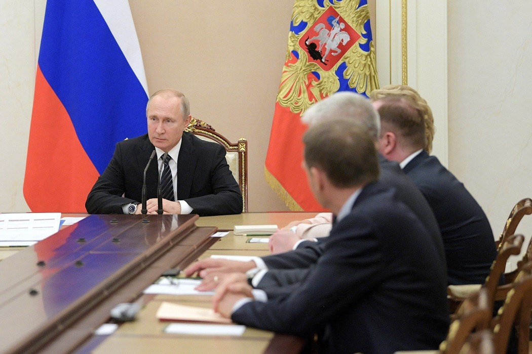 الرئيس الروسي يترأس اجتماعا للأعضاء الدائمين بمجلس الأمن الروسي يوم 12 يوليو 2019