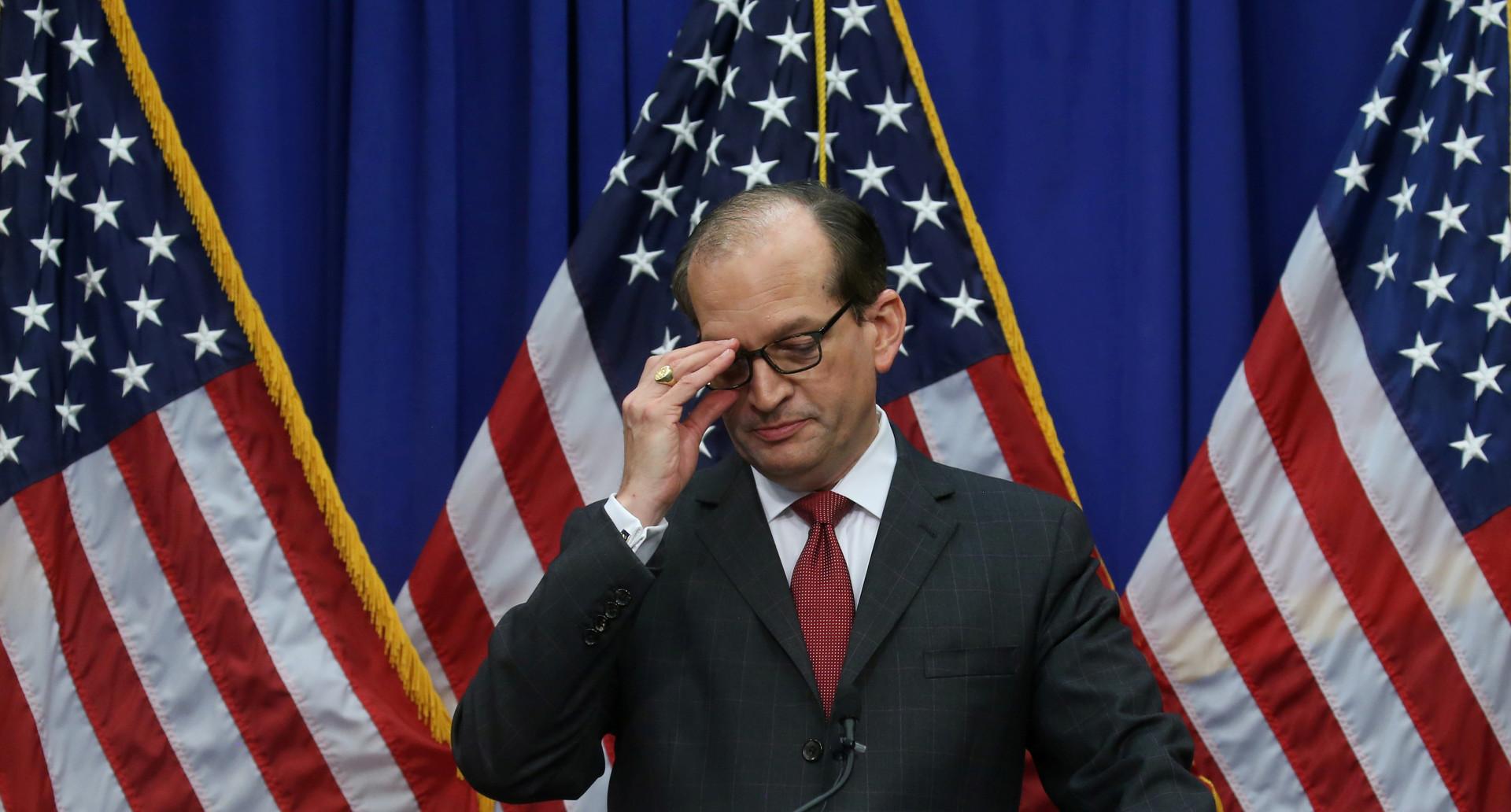 استقالة وزير العمل الأمريكي بسبب فضيحة ملياردير متهم بمخالفات جنسية بحق القصر