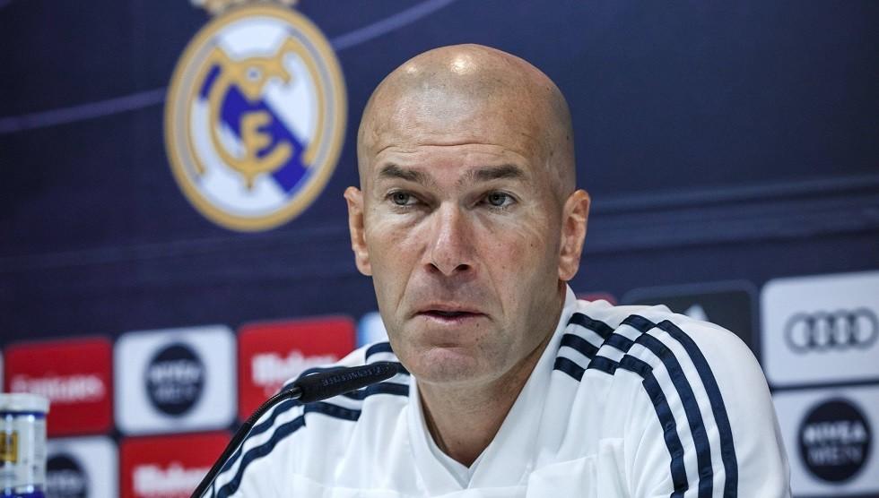 زيدان يغادر معسكر ريال مدريد لأسباب شخصية