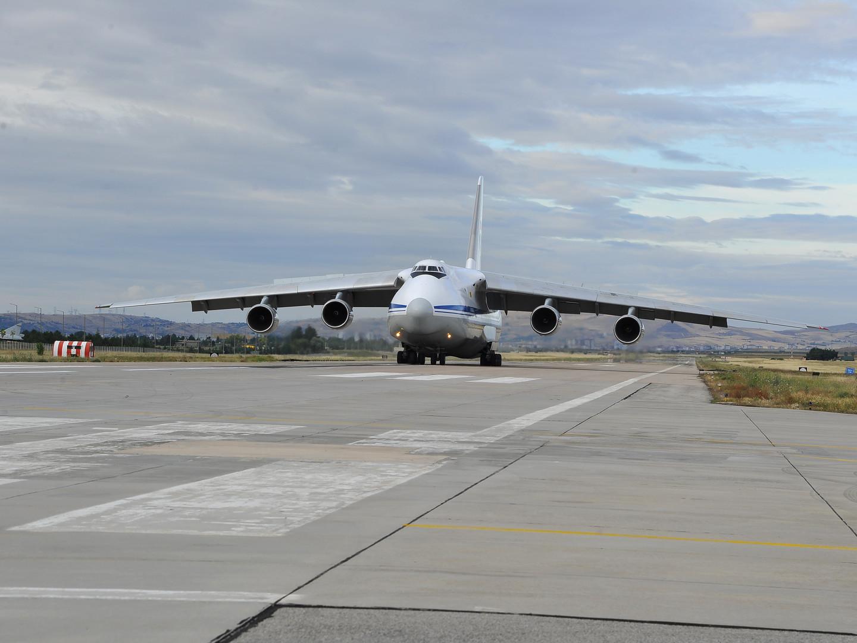 طائرة روسية رابعة تحمل أجزاء من أنظمة