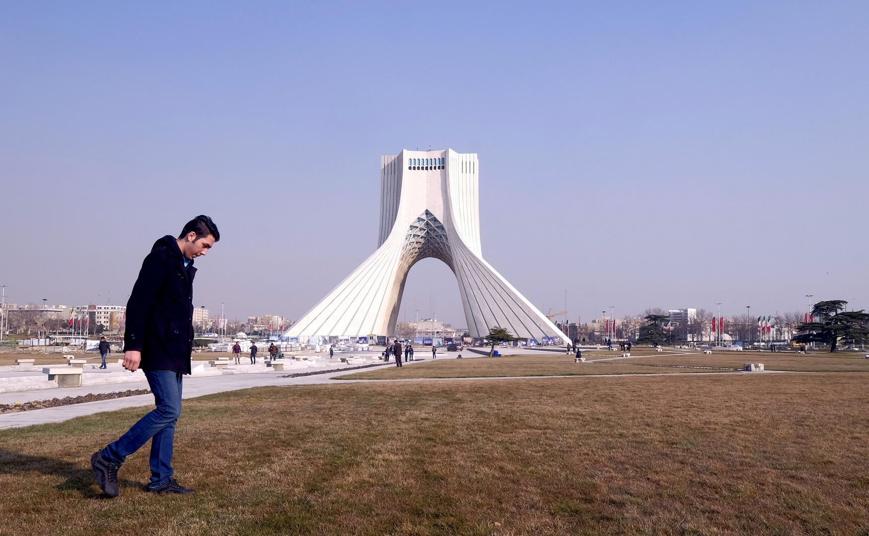 بدء محاكمة عمدة طهران السابق بتهمة قتل زوجته