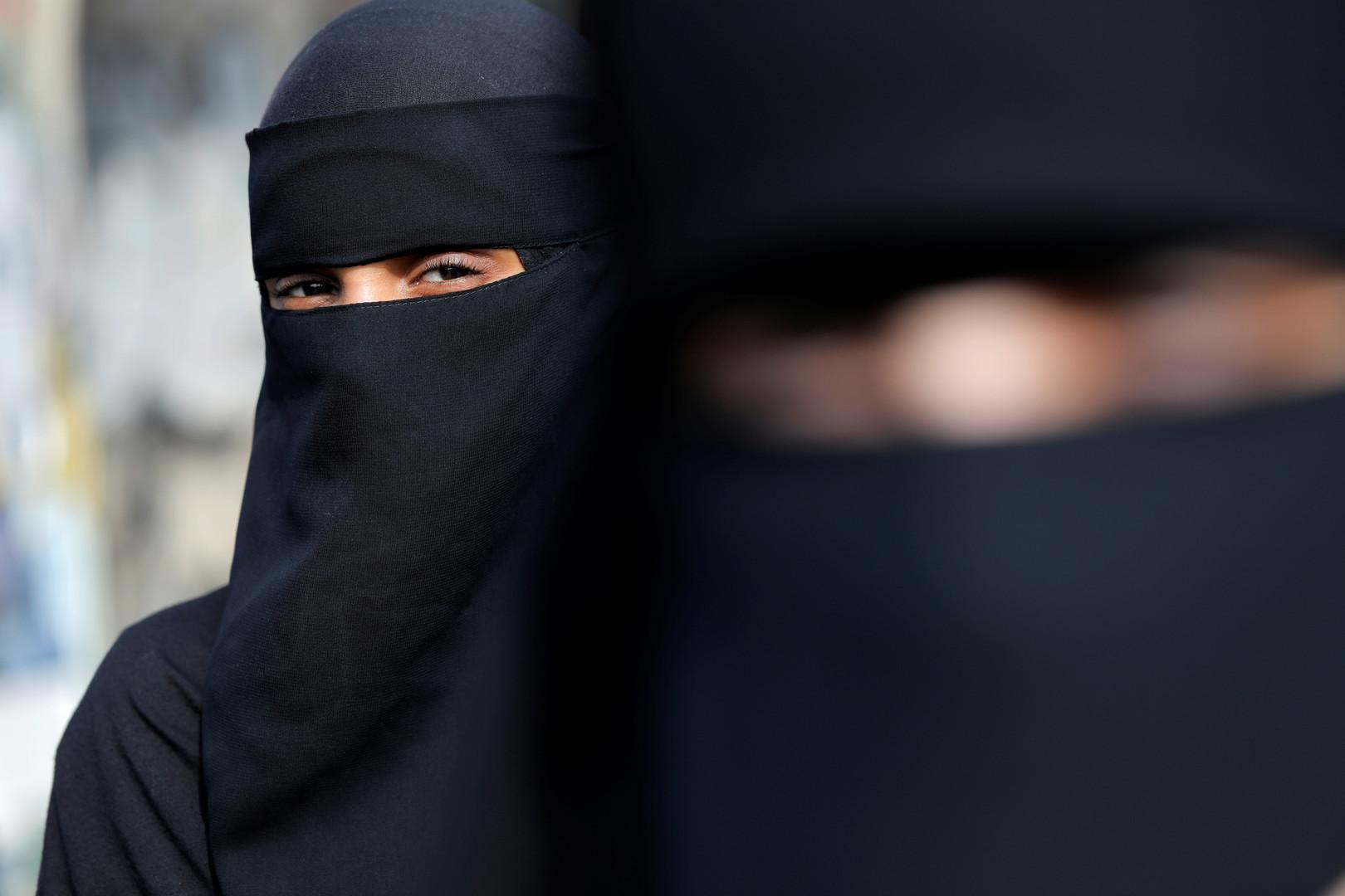 حكومة تونس تحسم الجدل حول قرار منع النقاب