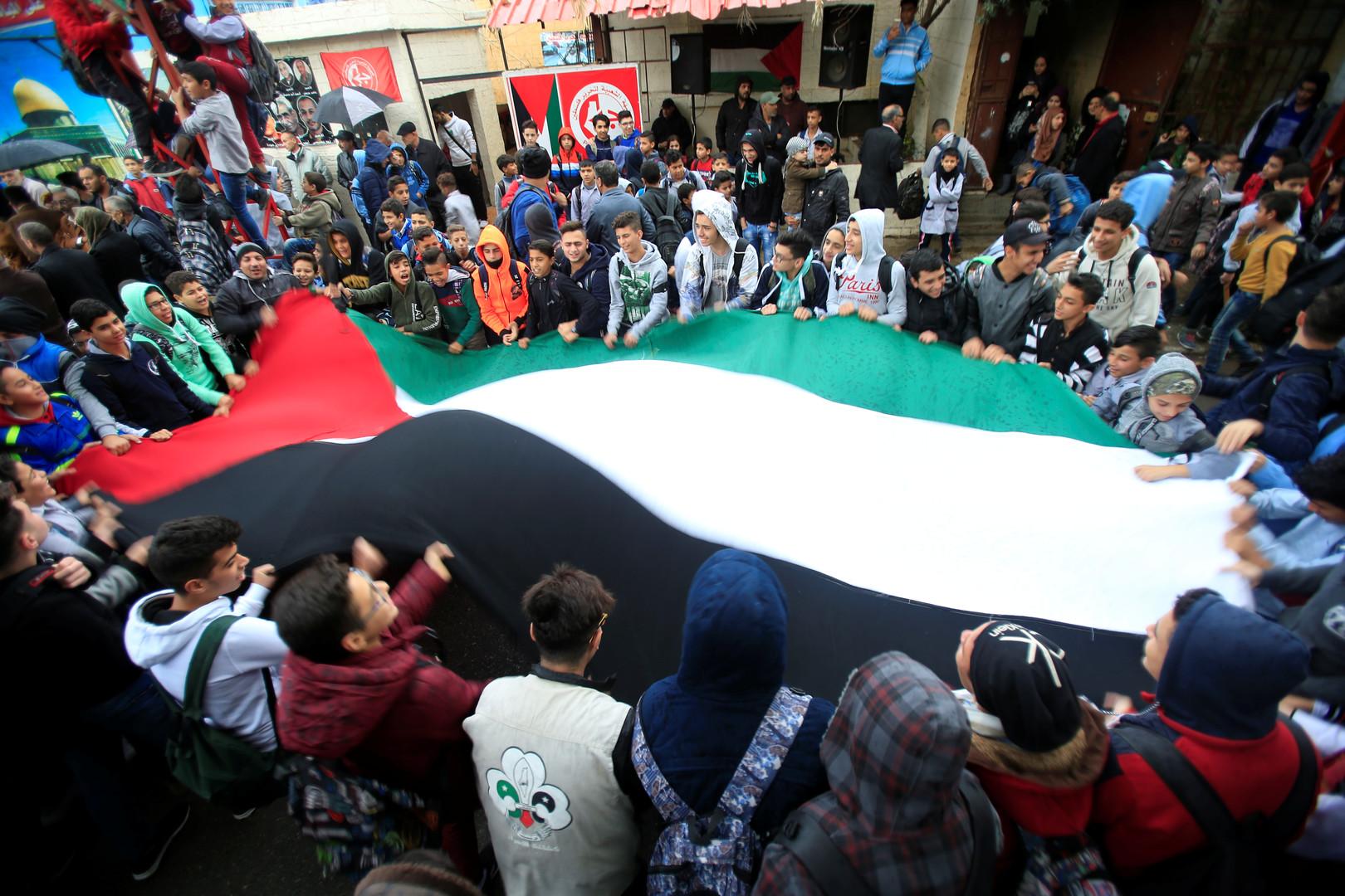السلطة الفلسطينية: قرار وزارة العمل اللبنانية لا يخدم هدف مواجهة التوطين