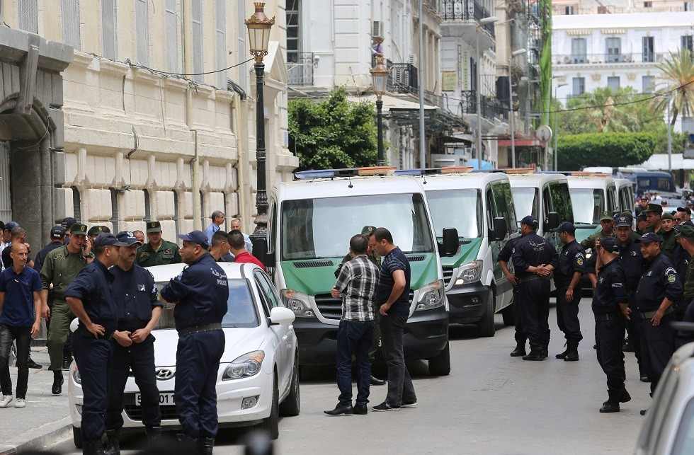 عناصر من قوات الأمن الجزائرية - أرشيف -