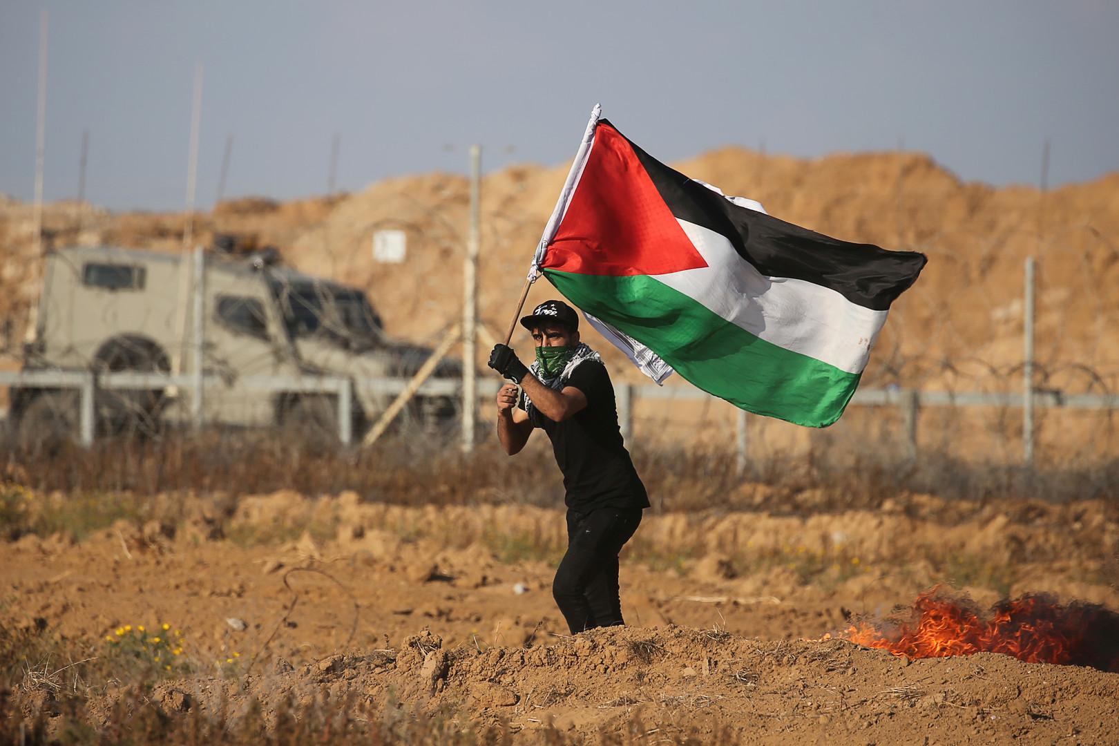 بعد نحو شهر من اعتقاله.. وفاة أسير فلسطيني في سجنه الانفرادي