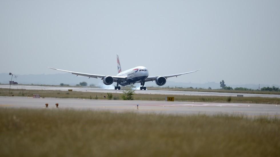 باكستان تفتح مجالها الجوي أمام الرحلات التجارية بعد إغلاق دام شهورا