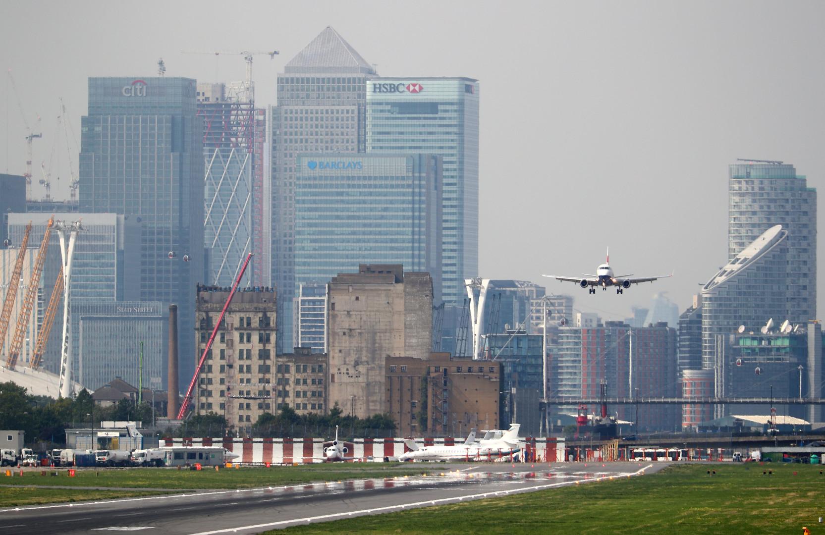 مطار لندن- أرشيف