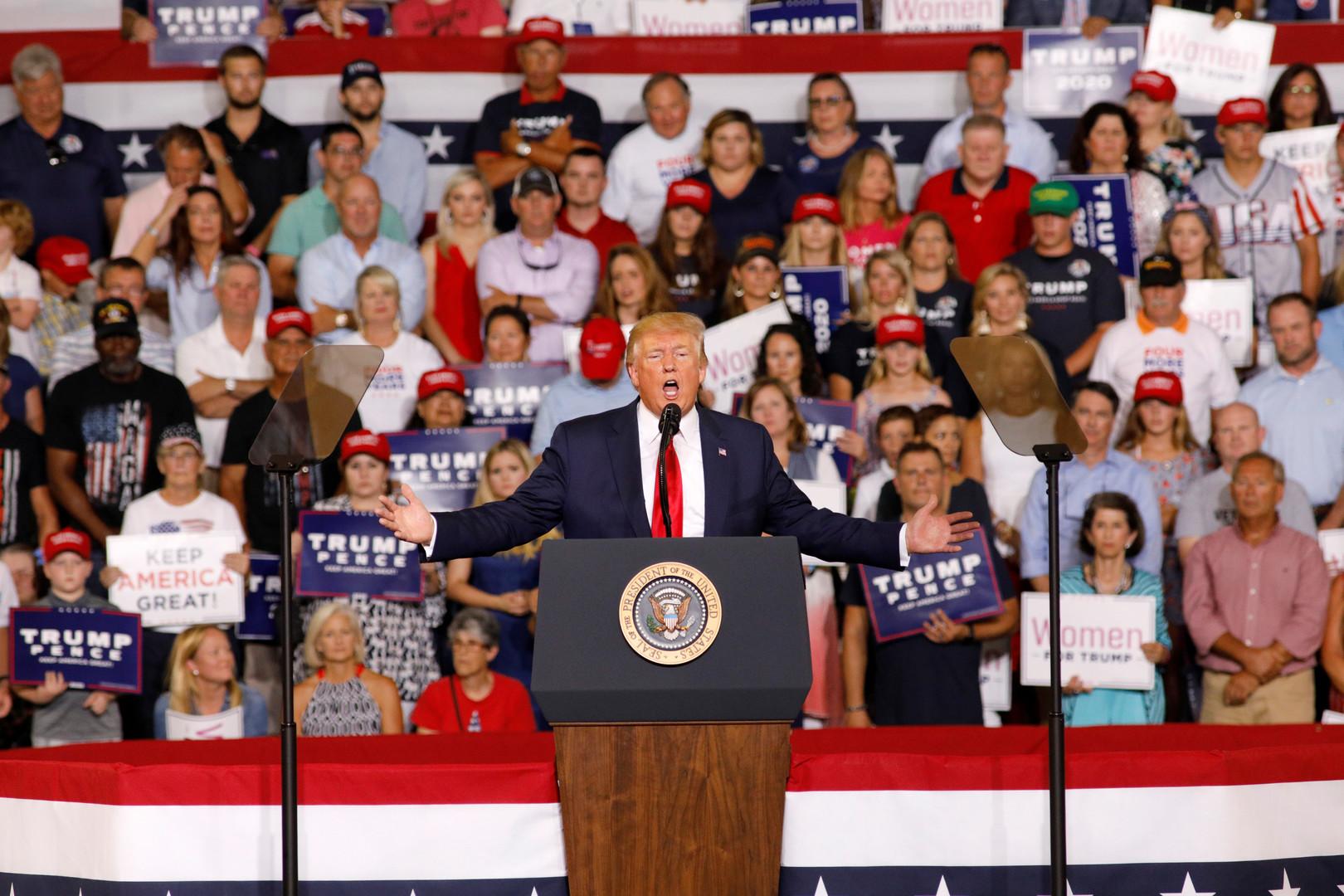 ترامب يسخر هجومه على الديمقراطيات في حملته الانتخابية