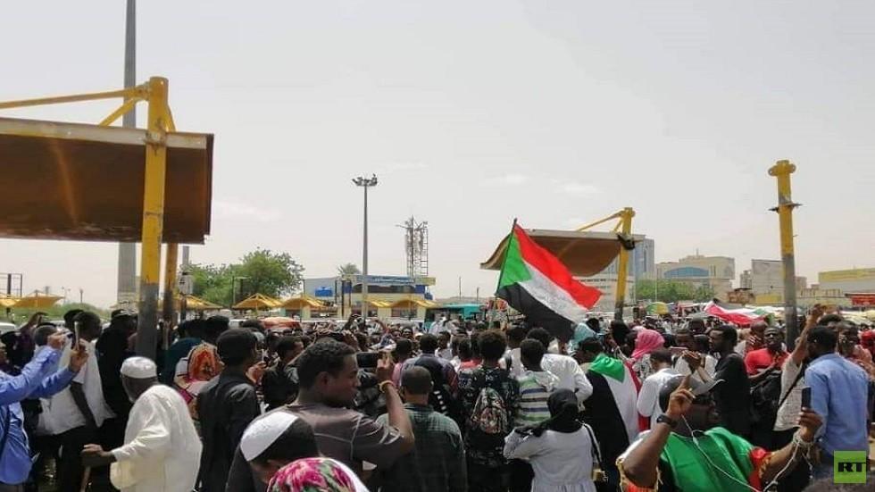 تجدد التظاهرات في السودان والأمن يفرق المتظاهرين بالغاز المسيل للدموع