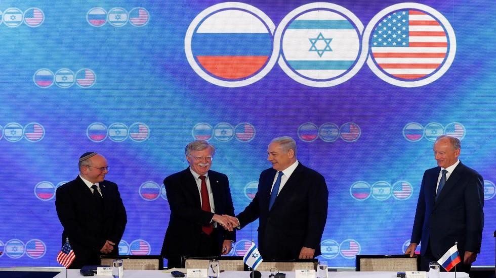 إعلام إسرائيلي: أمريكا وإسرائيل طلبتا الحد من نفوذ طهران بلبنان والعراق في إطار تسوية النزاع السوري