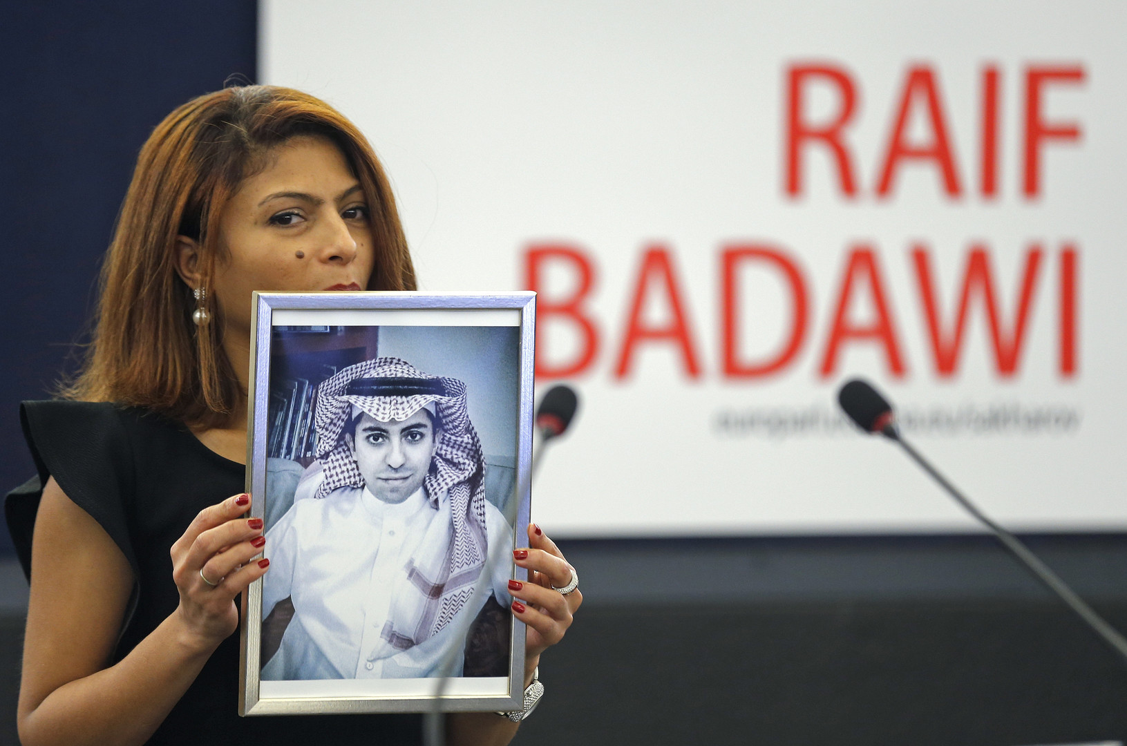 نائب الرئيس الأمريكي يدعو السعودية لإطلاق سراح رائف بدوي