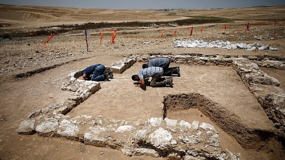 العثور على بقايا أحد أقدم مساجد العالم في صحراء النقب!