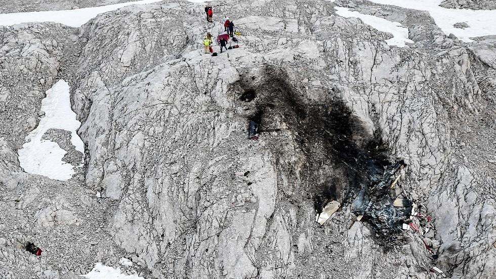 نتيجة بحث الصور عن مقتل 3 أشخاص بتحطم طائرة في النمسا