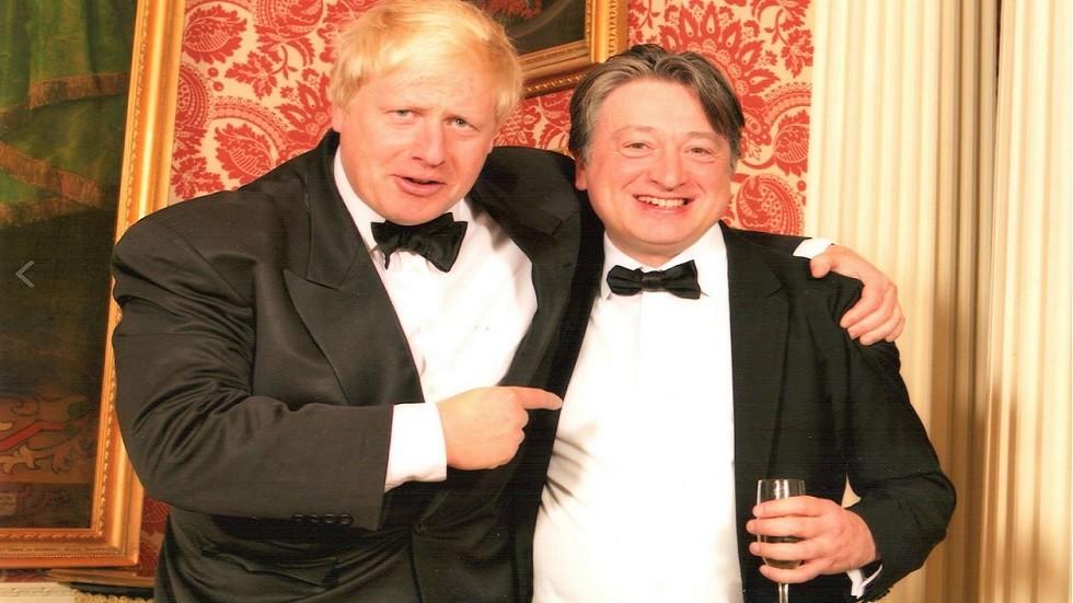 قطب سابق بصناعة السلاح في روسيا يمارس نفوذا في سباق رئاسة وزراء بريطانيا