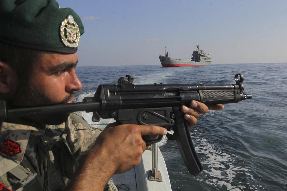 البحرية الإيرانية: قواتنا أبلت بلاء حسنا باحتجاز ناقلة النفط البريطانية
