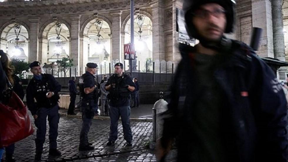 صحيفة: الشرطة الإيطالية تبحث عن سوري هدد بالتوجه مباشرة من روما إلى الجنة!
