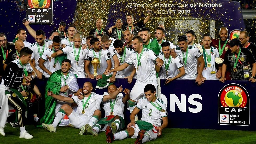 بالفيديو.. لاعبو المنتخب الجزائري يهتفون لفلسطين أثناء احتفالهم باللقب الإفريقي