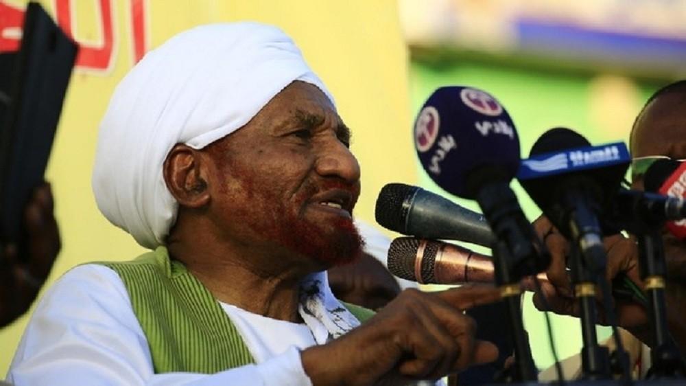 الصادق المهدي: أحزاب متطرفة تراهن على الفوضىفي السودان