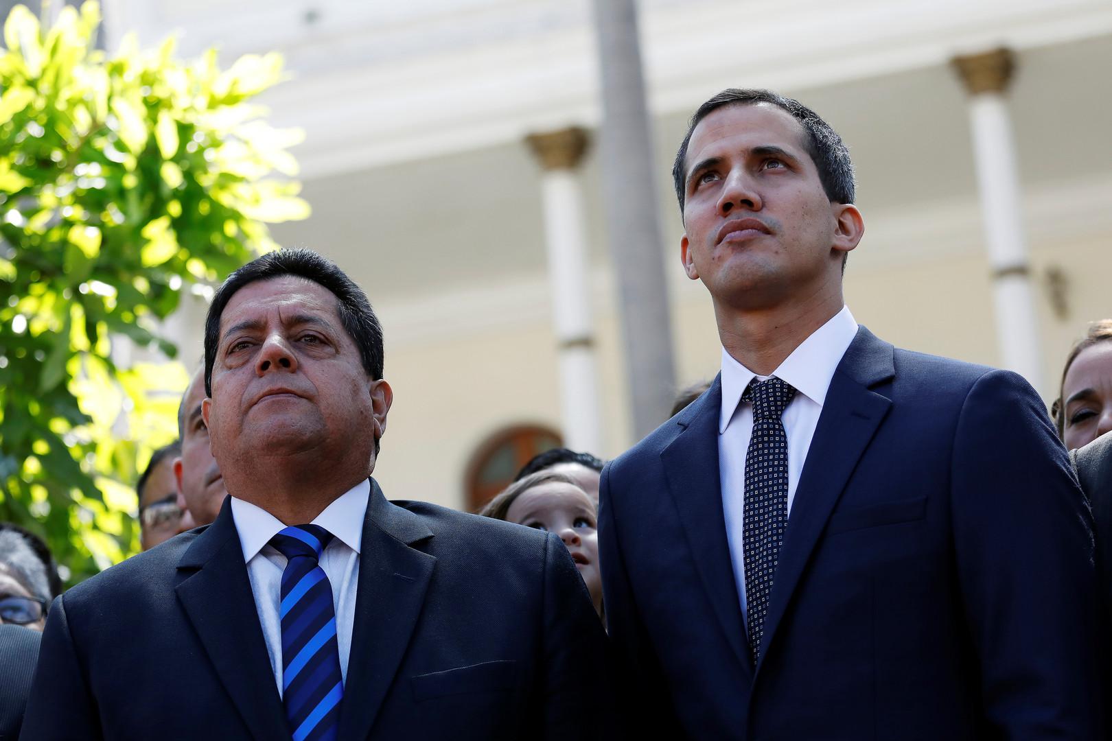 رئيس الجمعية الوطنية الفنزويلية، خوان غوايدو، ونائبه، إدغار زامبرانو