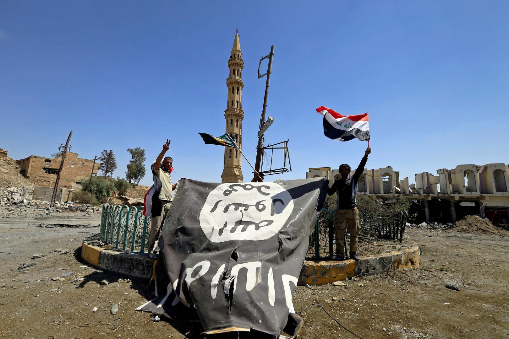 واشنطن بوست : ألف  داعشي  تسللوا من سوريا إلى العراق -