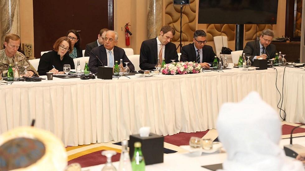 المبعوث الأمريكي الخاص إلى أفغانستان زلماي خليل زاد يرأس الوفد الأمريكي في إحدى جولات المفاوضات مع طالبان في الدوحة