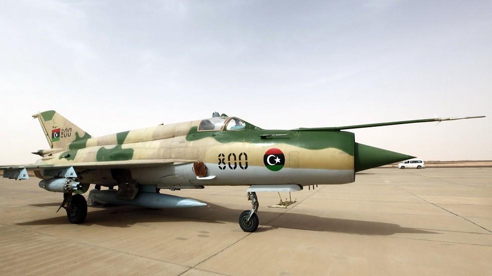 تونس.. نزع صواعق القنابل من الطائرة الليبية التي هبطت اضطراريا