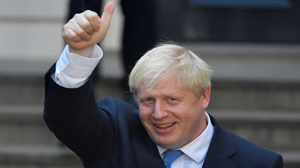 جونسون يلتقي اليوم ملكة بريطانيا ويتسلم رئاسة الحكومة