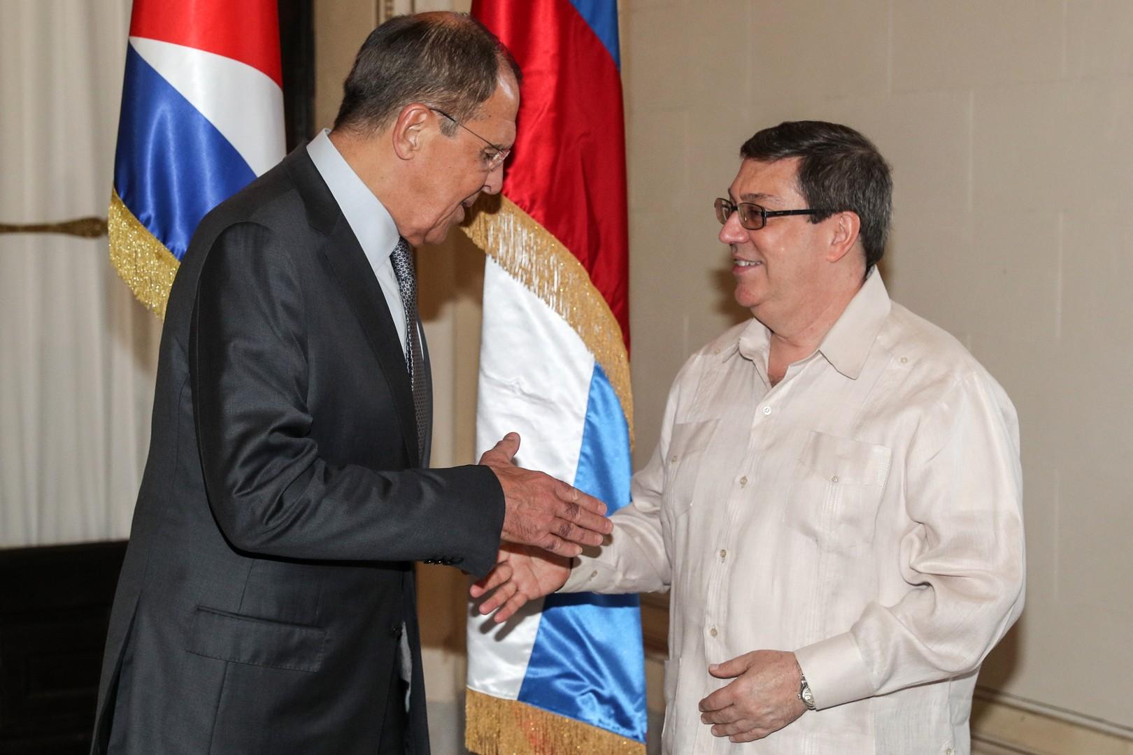وزير الخارجية الروسي سيرغي لافروف خلال لقاء مع نظيره الكوبي برونو رودريغيز باريغا